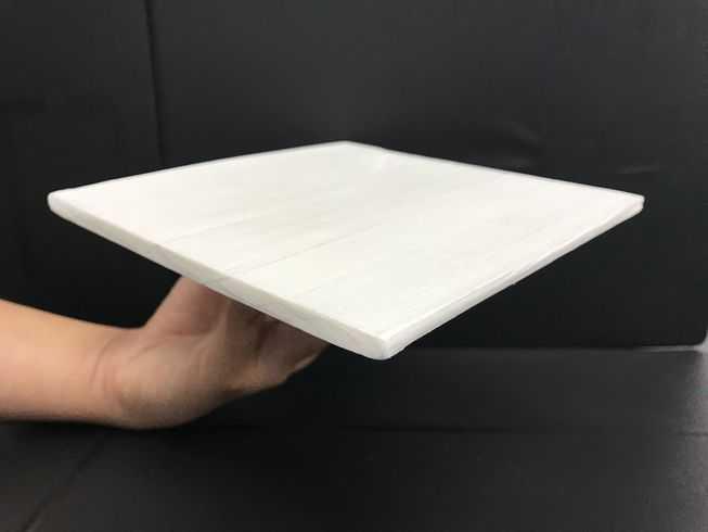 科学家研制出一种超强木材,它能完全反射太阳的热量-有意思吧