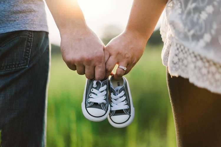 """波兰""""女儿国""""村庄悬赏第一对生下男婴的夫妇-有意思吧"""